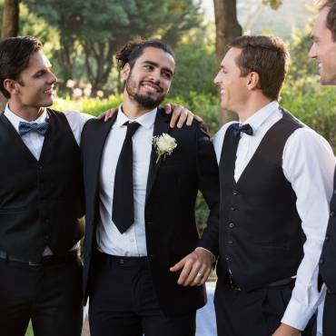 Unique personalised groomsman gifts for your wedding day